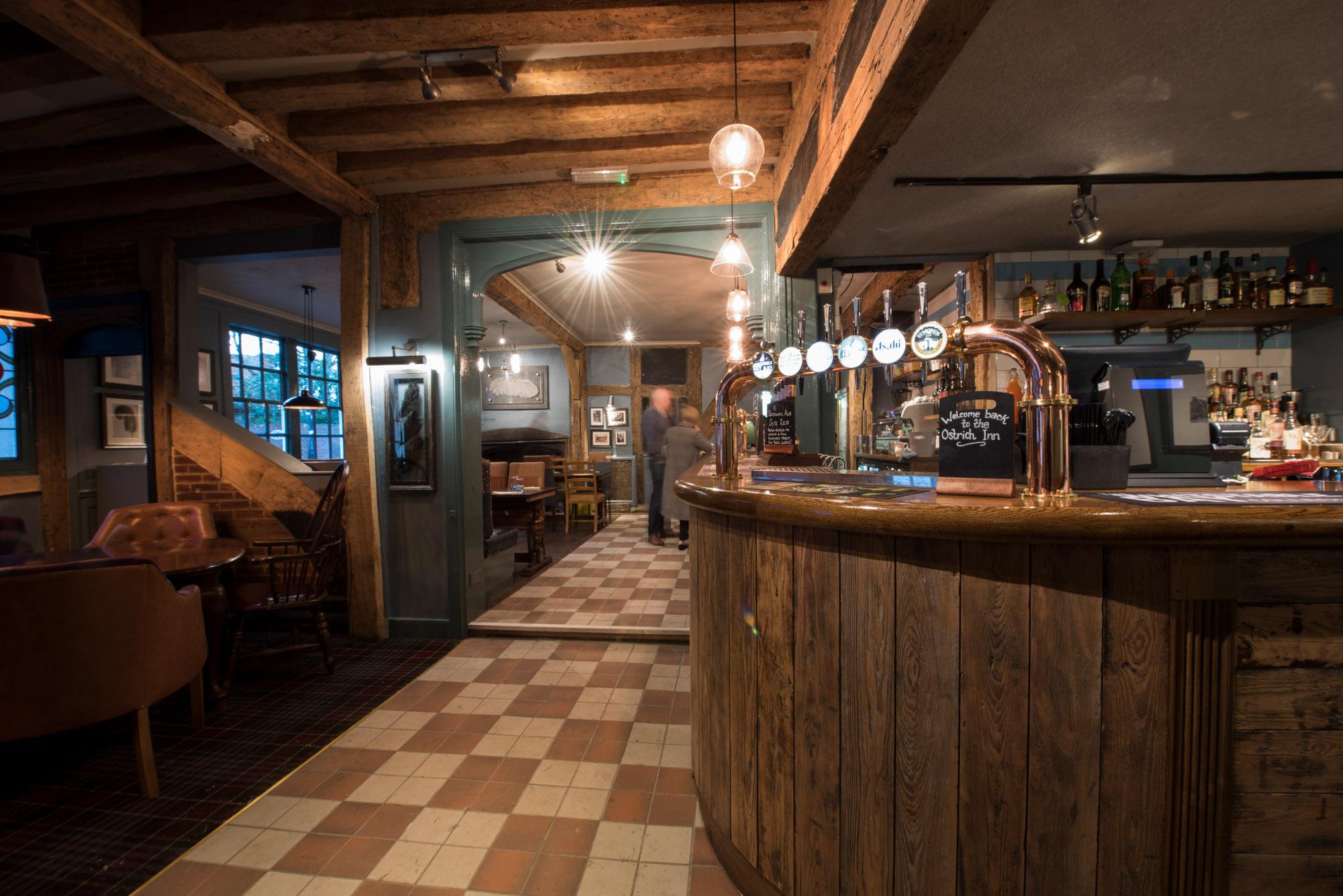 Ostrich Inn, Colnbrook - Bar